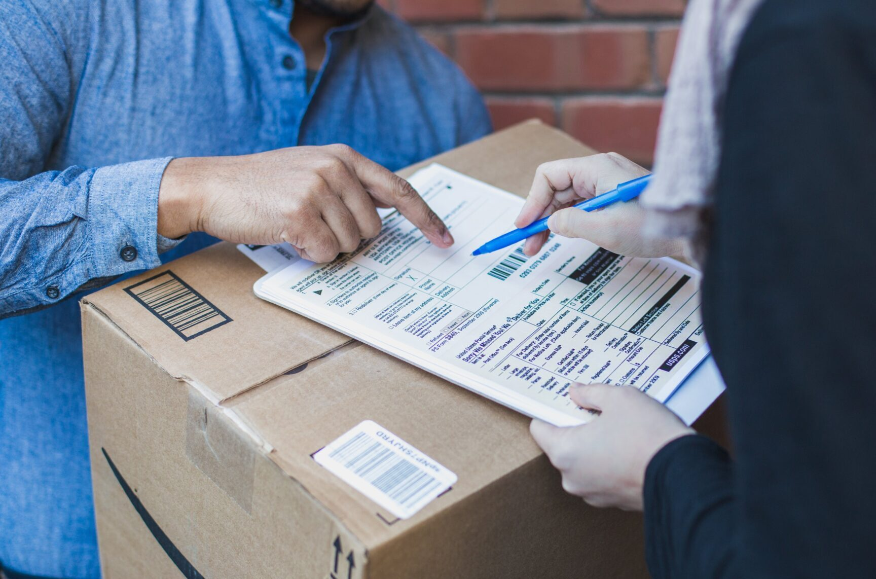 signing-shipping-forms-for-large-box